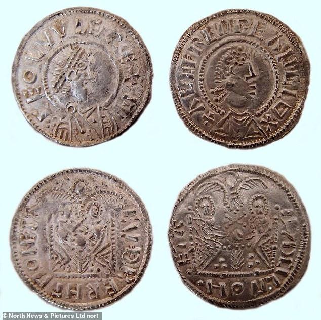 Angleterre - Pièce de monnaie représentant Ceolwulf et Alfred qui se tiennent côte à côte - Photo: North News
