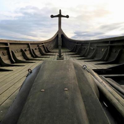 Embarquez à bord des bateaux vikings !