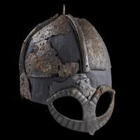 Casque viking de Gjermundbu, Xème siècle,  Norvège - Photo: Ellen C. Holte / Musée d'Histoire culturelle d'Oslo