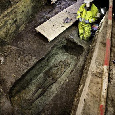 Danemark - 20 squelettes du XIème siècle découverts sous la place de l'hôtel de ville à Copenhague - Photo: Martin Lehmann