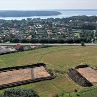 Danemark - À gauche, la nouvelle halle de 50m de long découverte sur le site d'Erritsø - Photo: Esben Klinker Hansen / Musée de Vejle