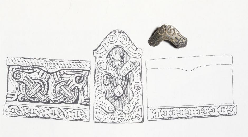 Représentation du bijou ayant appartenu à la völva de Fyrkat et le fragment découvert à Borgring - Dessin: Museum Sydøstdanmark