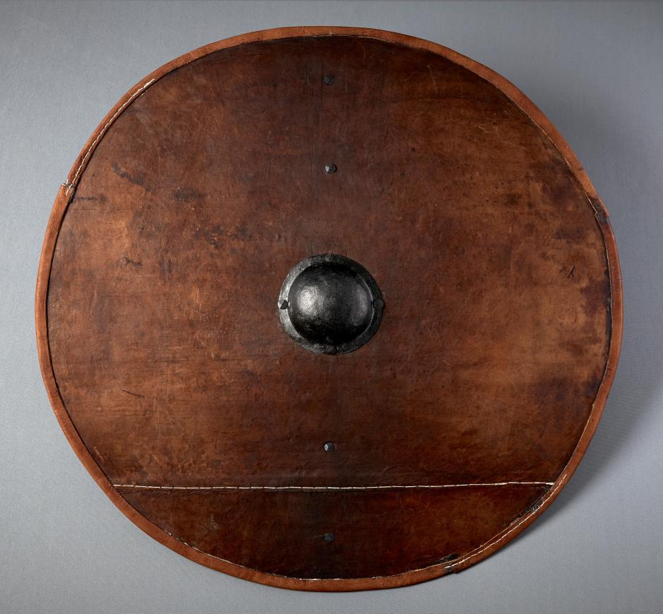 Danemark - Première reproduction authentique d'un bouclier viking d'après les recherches de Rolf Fabricieux Warming - Photo: Tom Jersø /Projekt Vikingeskjoldet
