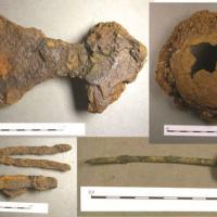 Artefacts découverts dans le bateau tombe à Swordle Bay - Photo Pieta Greaves pour AOC Archeology