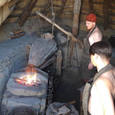 Reconstitution d'une forge de l'Âge VIking à Ribe, Danemark - Photo: Joëlle Delacroix