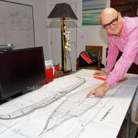 France - Gwenahel Thirel présente les plans du projet de construction d'un navire viking en 2 ans - Photo: Presse 30
