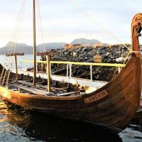 France - Langvin, une réplique d'un bateau de l'Âge Viking pour le parc Ornavik en 2020 - Photo: Ouest-France