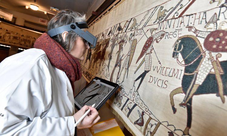 France - Relevé des détériorations sur la Tapisserie de Bayeux avant sa restauration en 2024 - Photo: Bayeux Museum / Musée de la Tapisserie de Bayeux