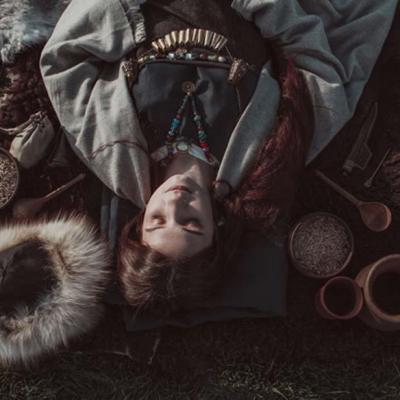 Funérailles d'une femme à l'Âge VIking - Photo: Igor Igorevich
