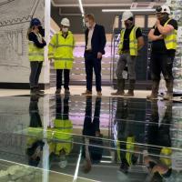 Irlande - Les vestiges d'une maison viking exposés sous une dalle de sol en verre dans un magasin Lidl - Photo: RTE news