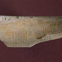 Norvège - Embrasse-moi écrit en code Jötunvillur sur un os découvert à Sigtuna - Photo: Musée de Sigtuna