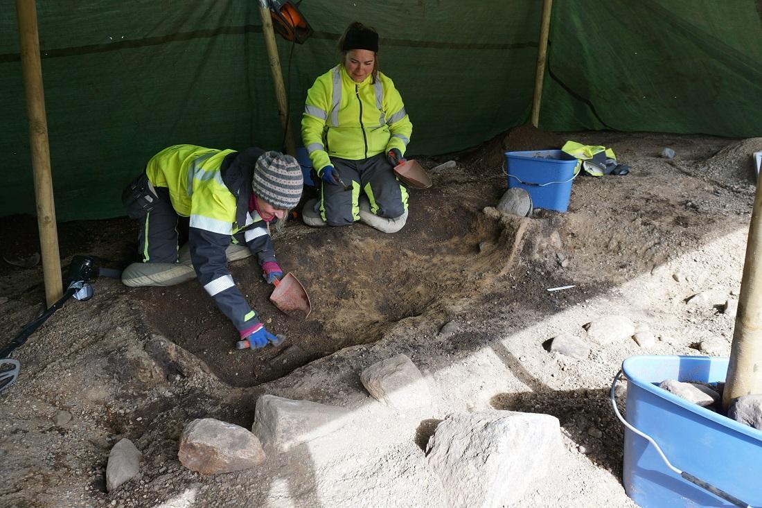Norvège - Fouilles de la tombe à chambre d'une femme de l'Âge Viking à Hestnes - Photo:  Eystein Østmoe / NTNU VItenskapsmuseet