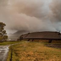 Norvège - La maison longue découverte en 1983 et reconstruite à Borg - Photo: Kjell Ove Storvik Lofotr / Lofotr Viking Museum