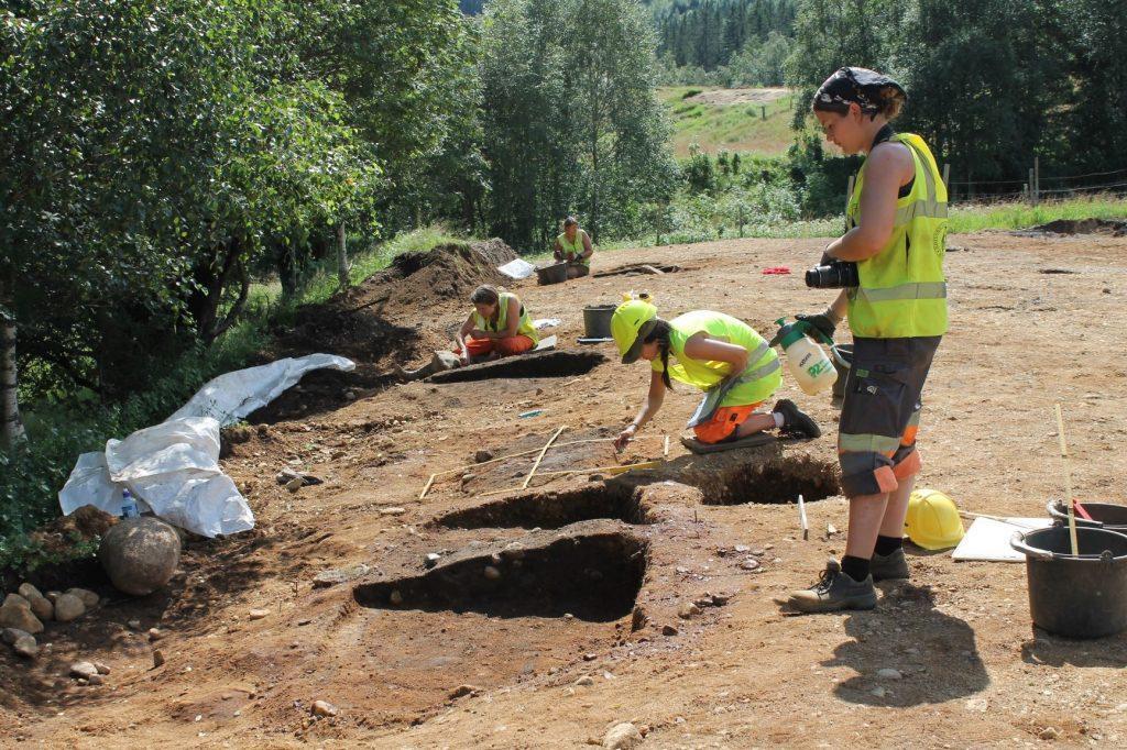 Norvège - Les archéologues examinent les tombes de Langeid - Photo: Camilla C. Wenn / Musée d'Histoire culturelle
