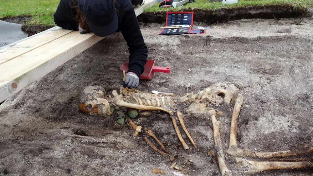 Norvège - Squelette d'une femme de l'Âge Viking découvert à Hillesøy - Photo: musée universitaire de Tromsø
