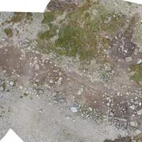Norvège - Vue aérienne des vestiges des deux maisons menacées par l'érosion- Photo: L. Skogstrand