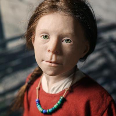 Reconstruction faciale par le sculpteur Oscar Nilsson, d'une fillette de 6/7 ans enterrée à Birka au Xème siècle et rebaptisée Disa - Photo: Musée historique de Stockholm
