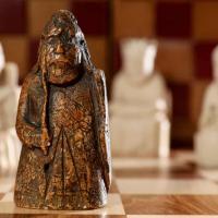 Royaume-Uni - La figurine du gardien qui avait disparu du jeu d'échecs de Lewis depuis près de 200 ans - Photo: Tristan Fewings / Sotheby's