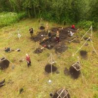 Russie - Les fouilles de la colonie de l'Âge Viking dans la région de Pskov - Photo: Aleksander Mikhaïlov