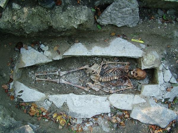 442 génomes séquencés dont celui de cette femme surnommée Kata et découverte sur un site funéraire viking à Varnhem, en Suède - Photo: Västergötlands Museum