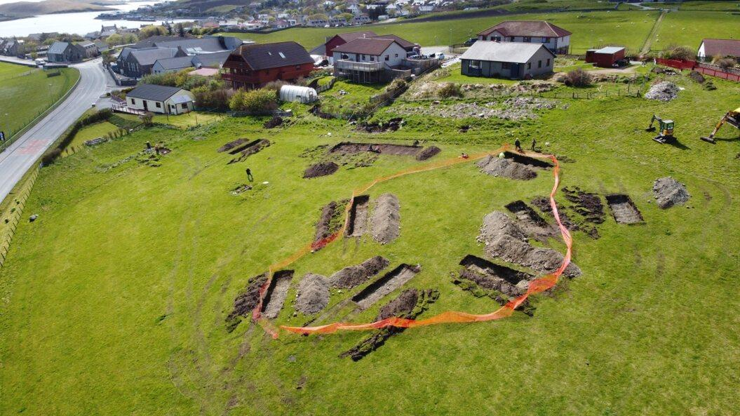 Les Shetland - De nouvelles découvertes archéologiques sur l'ancienne capitale viking de l'archipel - Photo: Skailway