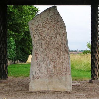 Suède - La pierre runique de Rök - Photo: Håkan Svensson