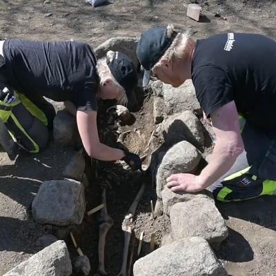Suède - Sept tombes chrétiennes de l'Âge Viking découvertes à Sigtuna - Photo: Uppdrag arkeologi