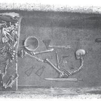 Une nouvelle étude apporte la confirmation génétique d'une femme guerrière viking à Birka - Illustration par Evald Hansen basée sur le plan orignel de la sépulture Bj 581mise au jour par Hjalmar Stolpe en 1889