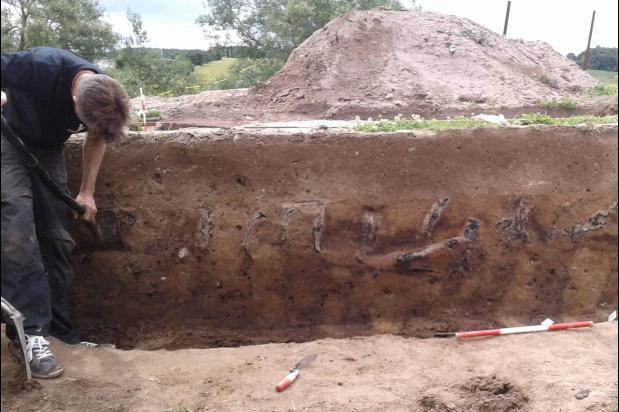 La police mène l'enquête sur un incendie criminel vieux de 1000 ans à Borgring
