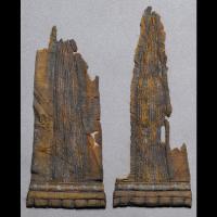 Pièces de soie découvertes dans la sépulture d'un homme à Mammen. Photo du Musée National du Danemark